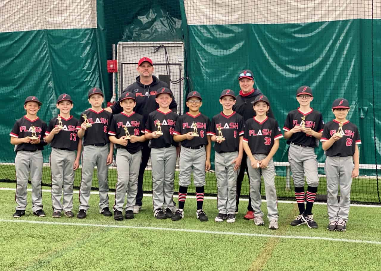11U Flash baseball team with coaches holding small trophies for second place